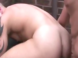 gay wanking himself whille being fucked anally