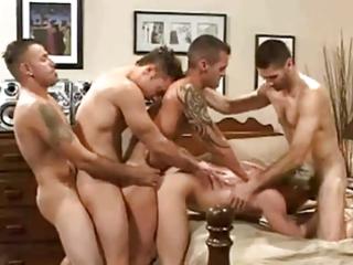 se armo la fiesta, orgia y trencito gay!