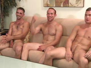 2 str8 fuckers and a gay guy, but no lady exposes