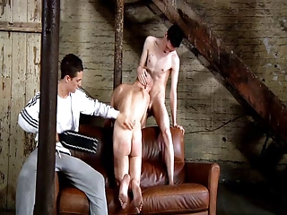 bdsm slave gay guy must blow schwule jungs